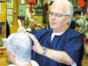 barbiere rasatura testa