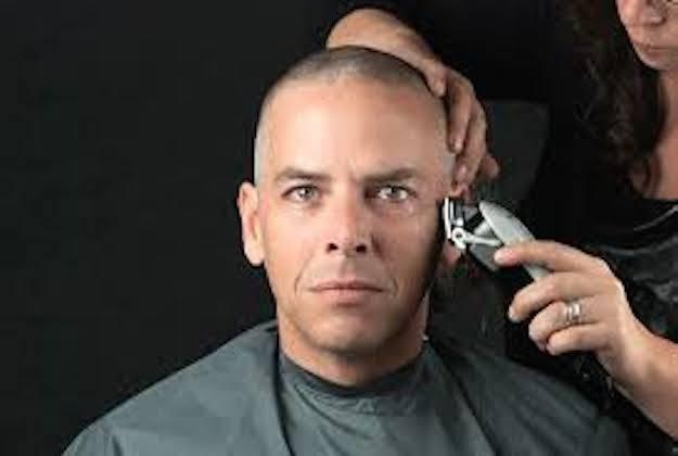 Taglio di capelli a 0